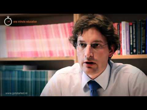 One Minute Education - Prof. dr. Justin Jansen talks about the management team