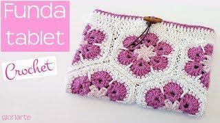 Funda para tablet   Neceser   Portatodo de crochet con flores africanas.