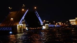 Разводка Дворцового моста-2016