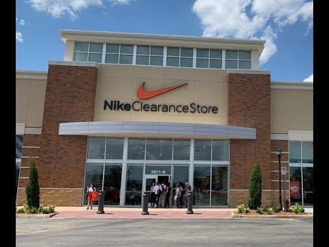 1d6b082bc67f6 Melhor e Maior Nike de Orlando - Nike Clearance - YouTube
