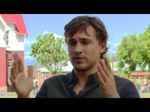 William Moseley: FRIEND REQUEST