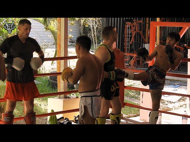 Morning Sparring | Emerald Muay Thai gym