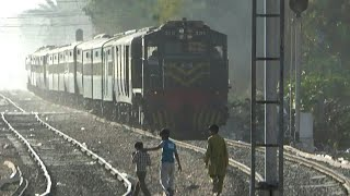 Pak Business Express Bad Track Crossing Shamsi Society | Pakistan Railways