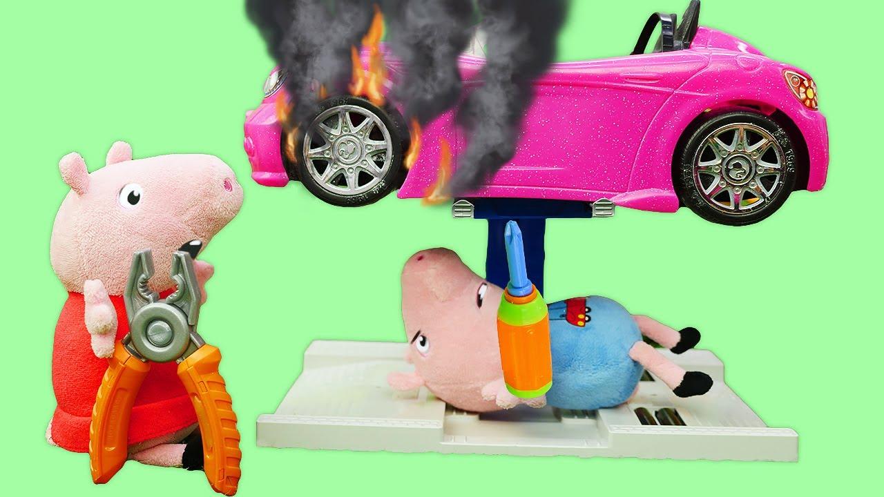 Nouvelle voiture en jouet de George. Peppa pig et sa famille pour enfants.