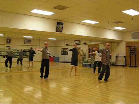 4 Winds Tai Chi Short Form - group.wmv