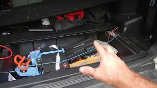 Pajero Aux battery /solar panel/ dc dc charger install p2