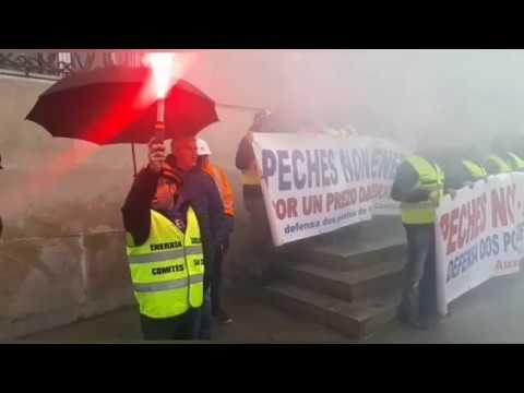 """Los trabajadores de Alcoa piden en Lugo """"soluciones"""" para la factoría"""