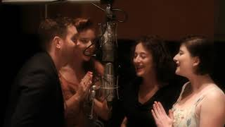Michael Bublé - Jingle Bells (feat. The Puppini Sisters) [Studio Clip]