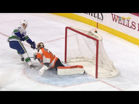 11/21/17 Condensed Game: Canucks @ Flyers