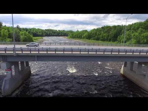 Reconstruction du barrage à Donnacona