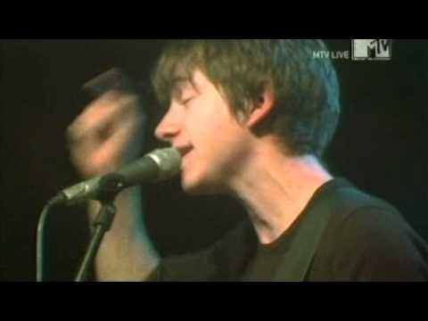 Arctic Monkeys - When The Sun Goes Down (Live Liverpool 2005)