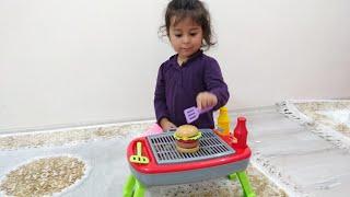 Ayşe Ebrar ile Oyuncak Barbekü Seti Açtık Hamburger Yaptık| Eğlenceli Çocuk Videosu