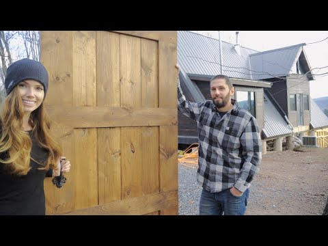 simple-diy-sliding-barn-door-that-anyone-can-build