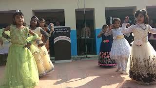 चूड़ी भी जिद पे आई है पायल ने शोर मचाया है। by Imperial public school kolila's li'l students