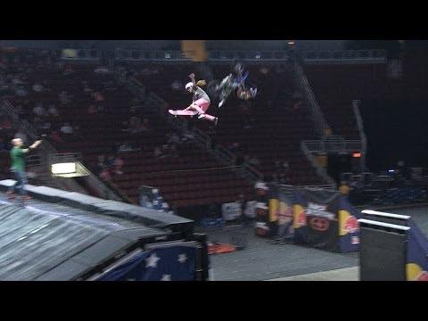 Blog Cam #75 - Nitro Circus Live with Lyn-z Pastrana