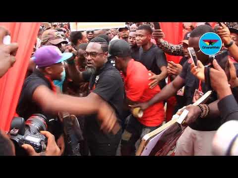 Crowd mob Contryman Songo at Ebony's One Week Celebration