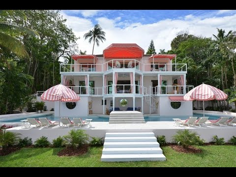Harmonious Home with Sea and Golf Views in Lyford Cay, Bahamas