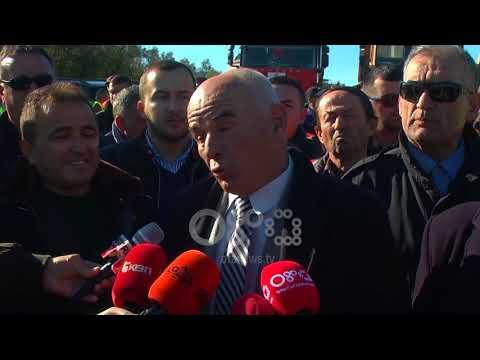 Ora News – Pagesat e prapambetura, nënkontraktorët e by-passeve Fier e Vlorë në protestë