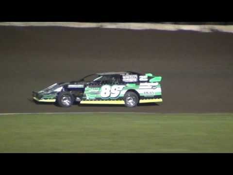 9/2/2016 Chateau Raceway Lansing, Minn. USMTS Heat Race Jesse Glenz