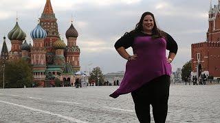 «Танцующая толстушка» Уитни Тор снимает в Москве новый клип