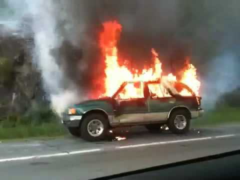 Suv Burning On Fire On Side Of Hwy Youtube