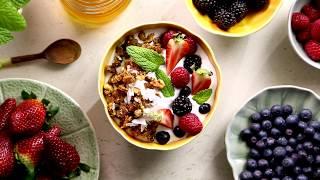 Granola with berries | Inspiration Guide | Iberostar Hotels & Resorts