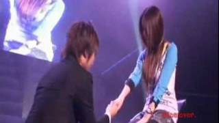 Video Daesung singing to  a lucky girl. download MP3, 3GP, MP4, WEBM, AVI, FLV Juli 2018