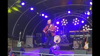 Tom Walker - Leave a Light On (Acoustic Version live @ Puls Open Air)
