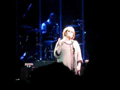 Adele ing Brandi Carliles Hiding My Heart Away Roseland Ballroom, NYC, 5509