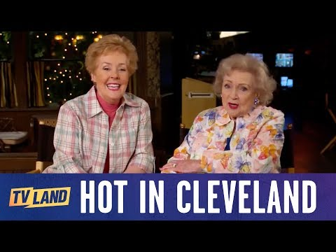 Betty White and Georgia Engel Talk about their Favorite s on The Mary Tyler Moore