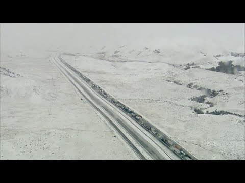 Bootleg Kev - Snow Causes Major Traffic Buildup on the Grapevine