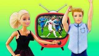 Видео для детей - Кукла Барби и Кен: свидание или футбол? - Новые игры для девочек.