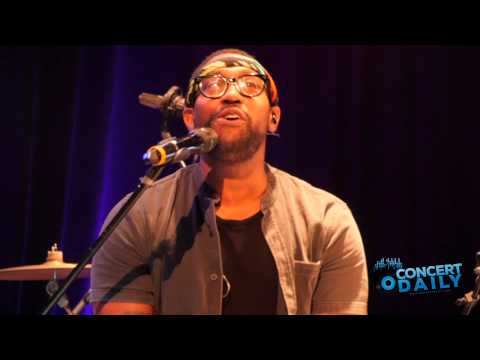 """PJ Morton performs """"Don't Ever Leave"""" Live at Howard Theatre"""