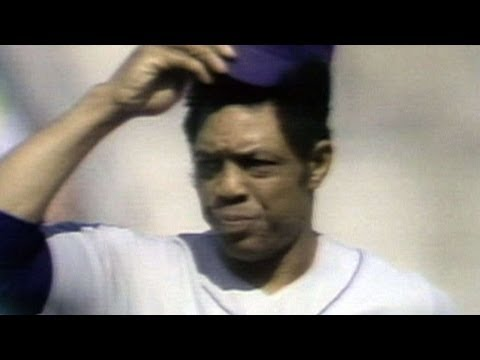 1973 WS Gm1: Mays introduced to standing ovation