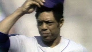 Willie Mays introduced to standing ovation