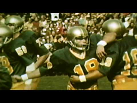 san francisco c6c2e f2840 #5 USC vs. #11 Notre Dame - 1977 Green Jersey Game