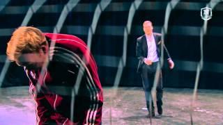 Repeat youtube video Bendtner versus Breinholt