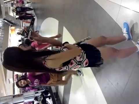 Girl Singing in SM Mall Cebu goes viral. :-)