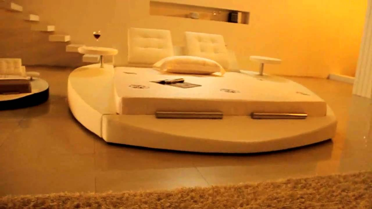 paolo collaner designer bett polsterbett lederbett bettgestell wasserbett gianni white youtube. Black Bedroom Furniture Sets. Home Design Ideas