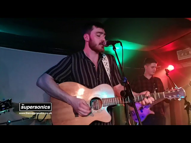 The Supersonis - Wonderwall (Live)
