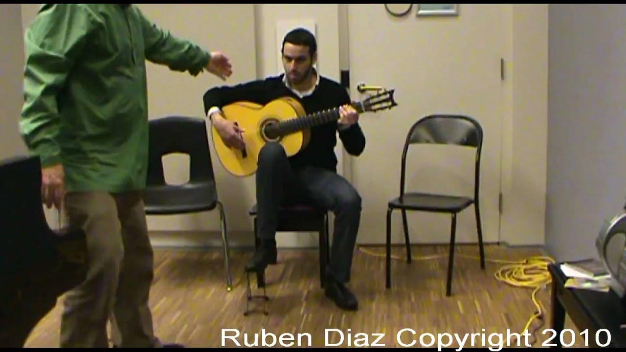 Proper chair to play flamenco guitar Flamenco Guitar Lessons
