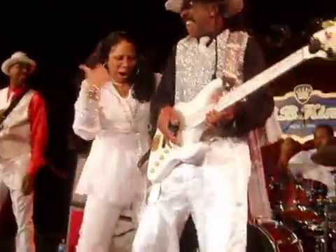 Larry Graham & Graham Central Station-The Jam & Thank You (Falettinme Be Mice Elf Agin)