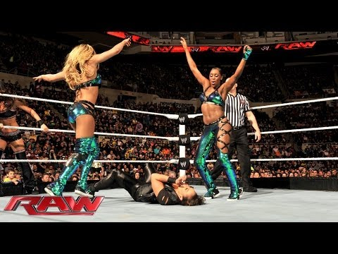 Divas 7-on-7 Survivor Series Elimination Tag Team Match: Raw, Nov. 25, 2013