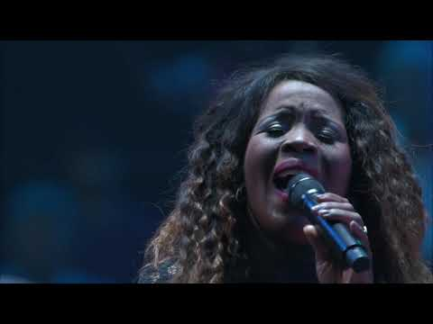 Michael W. Smith 2019 - WAYMAKER (LIVE CONCERT VIDEO) Ft. Vanessa Campagna & Madelyn Berry