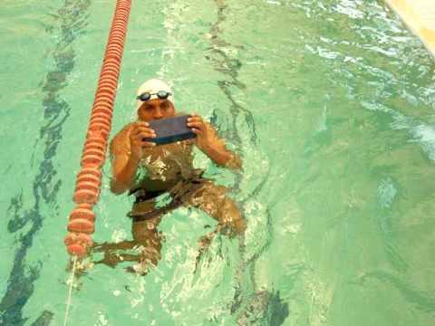 How to Swim : How to Do an Eggbeater Kick - YouTube
