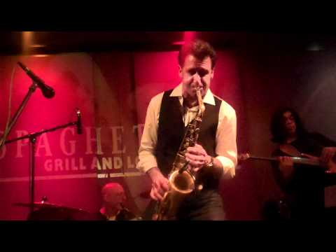 "Eric Marienthal Performs ""New York State of Mind"" Live at Spaghettinis"