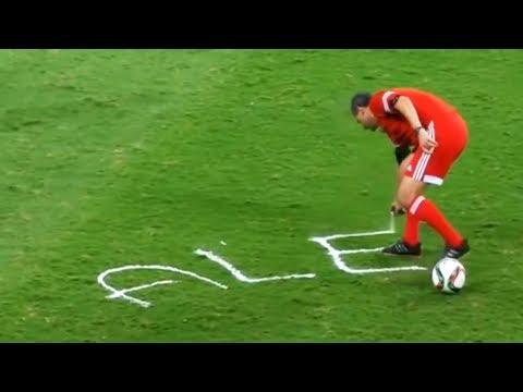 Momentos Divertidos Con Espuma En El Fútbol