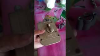 Трудно вытаскивать ключ из замка