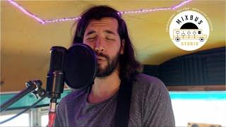 Mixbus Studio | Laurence Castera | Jouer le jeu |  L'arrêt de bus 38