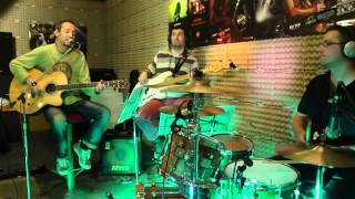 Arona acoustic band - Love is all around (cover)
